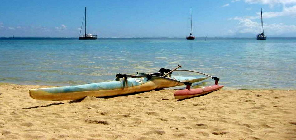Location voilier skipper Polynésie, Tahiti, Raiatea, Tuamotu, Huahine, Bora Bora.